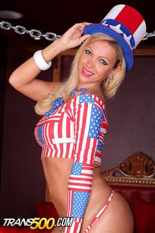 Gorgeous Carla salutes America in a hot new masturbation scene